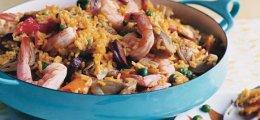Paella con alcachofas